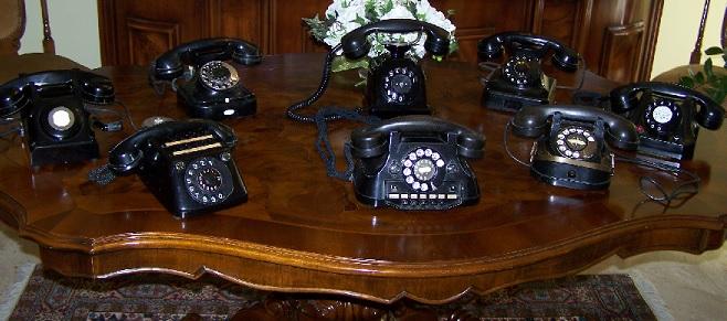 COLLEZIONARE TELEFONI ANTICHI
